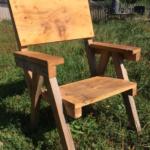 Krzesło drewnianie wykonane bez użycia śrub i gwoździ